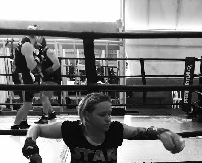 Taís ama boxe e não pensa em para tão cedo.... - Foto: arquivo pessoal
