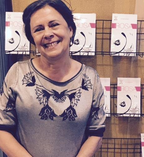 A médica Eclyene Leocádio conta sua história com o câncer de mama no livro.