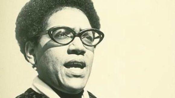 Audre Lorde, escritora e ativista que escreveu sobre a raiva das mulheres negras
